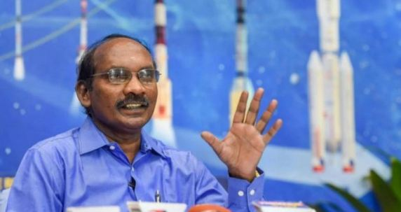 लैंडर विक्रम से संपर्क साधने में जुटा ISRO