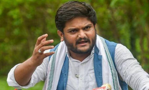 राहुल गांधी किसानों के हित के लिए लड़ रहे हैं: हार्दिक पटेल