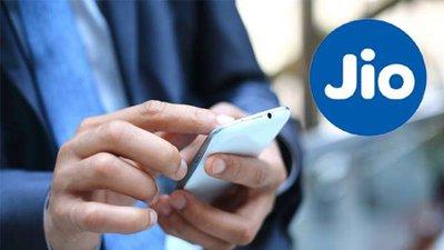 अब Jio मोबाइल यूजर्स भी फोन पर बुक कर सकेंगे रेल टिकट, जियोरेल ऐप लॉन्च