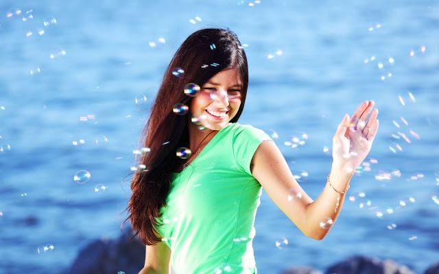 जानिए क्यों कुंवारी रहकर खुश रहती हैं लड़कियां?
