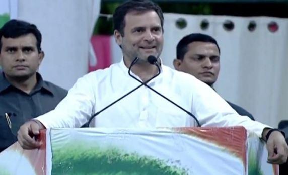 राहुल ने अजान के चलते एक मिनट के अपना संबोधन रोका, लोगों को भी शांत रहने के लिए कहा