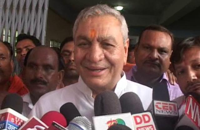 योगी के मंत्री चौधरी लक्ष्मी नारायण ने हनुमान को बताया 'जाट'