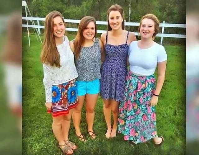 VIRAL हुआ इन लड़कियों का फोटो, जानिए क्या है इसमें अलग...