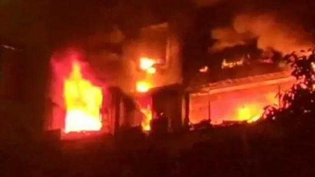 BREAKING : पटाखे के गोदाम में भीषण आग, 5 की मौत