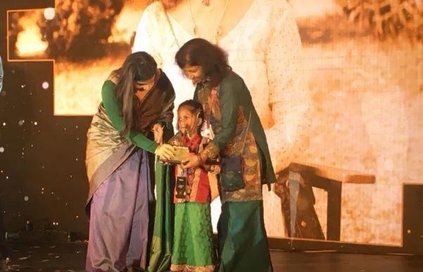 गहने बेचकर मधु तुगनैत ने बनाया अनाथ दिव्यांगों के लिए घर...