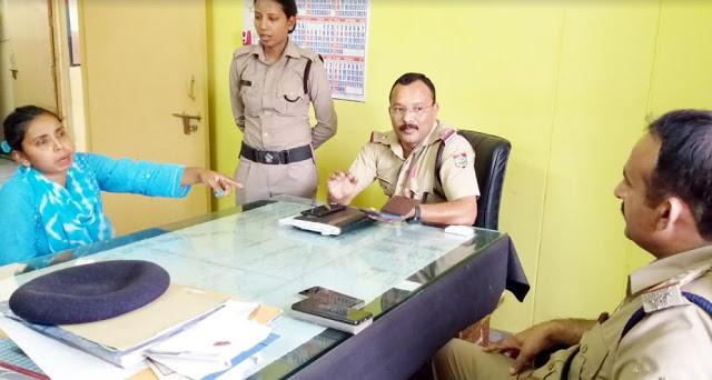 IAS की अपर निजी सचिव ने की महिला सिपाही से अभद्रता