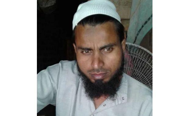मस्जिद में सो रहे इमाम और उनकी पत्नी को धारदार हथियार से हमला कर मार डाला