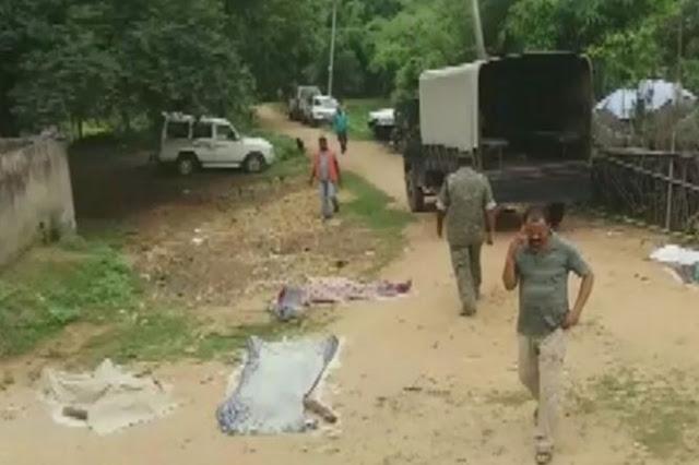 दो महिलाओं समेत 4 बुजुर्गों की पीट-पीटकर मार डाला