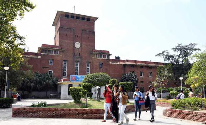दिल्ली विश्वविद्यालय ने स्नातक और स्नातकोत्तर की अंतिम वर्ष की परीक्षाएं स्थगित