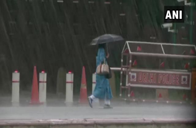 कई इलाकों में झमाझम बारिश, बदला मौसम का मिजाज