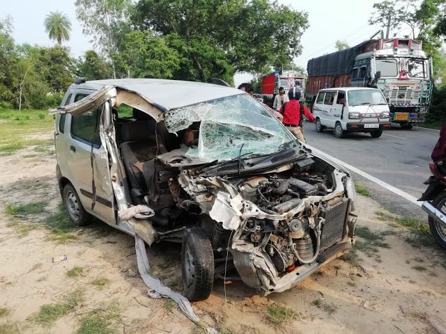 महिला प्रोफेसर की कार को कैंटर ने मारी टक्कर, चालक की मौत