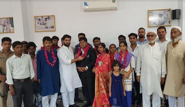 समाज सेवी प्रयांशु मणि अग्रवाल ने समर्थकों के साथ थामा फैसल लाला का दामन