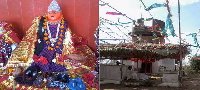 इस अनोखे मंदिर में भक्तों को प्रसाद में दी जाती है चप्पल!
