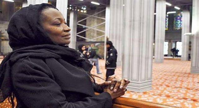 मशहूर अमेरिकी गायिका ने किया इस्लाम क़ुबूल