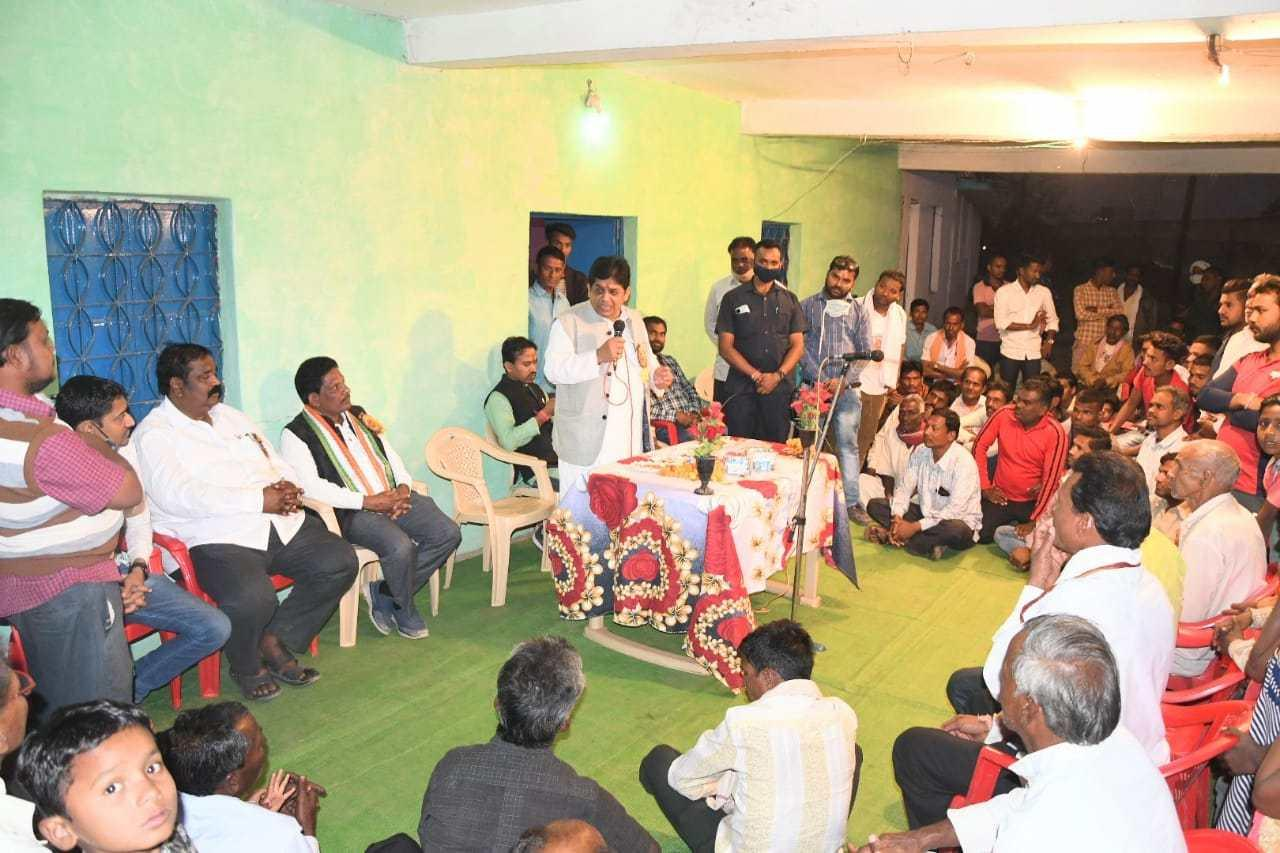 भगवान से कम नहीं किसान इसलिए किसानों का करें सम्मानः मंत्री डॉ डहरिया