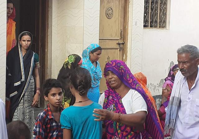 मंदिर से लौट रही बच्ची को बाइक ने रौंदा