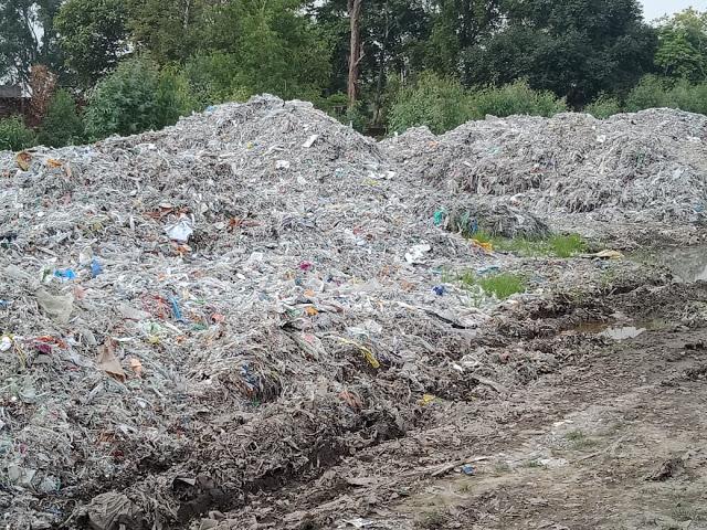 UP में फेंका जा रहा उत्तराखंड की फैक्ट्रियों का कचरा