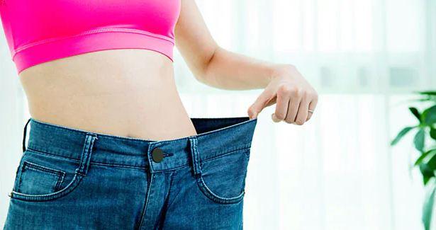 तोंद और बढ़ते वजन से हैं परेशान, रोजाना खाली पेट पिएं खीरे का जूस
