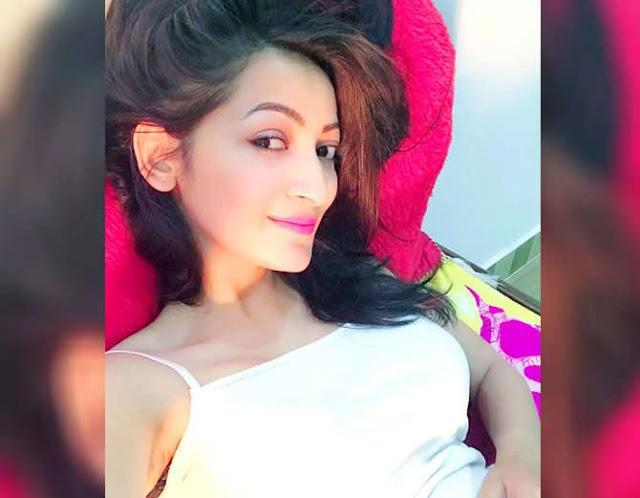 मॉडल नेहा राज को इंस्टाग्राम पर शोहदे ने भेजे अभद्र मैसेज, FIR दर्ज