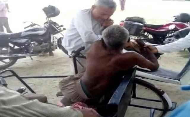दिव्यांग वृद्ध को लेखपाल ने चप्पलों से पीटा, पुलिस मौन