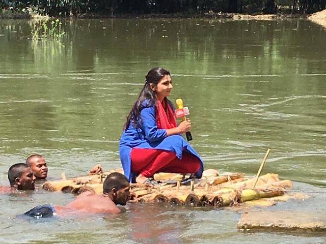 बाढ़ की तस्वीर वायरल होने पर आज तक की एंकर चित्रा त्रिपाठी ने दी सफाई