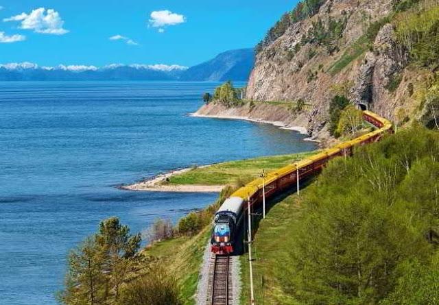 ये हैं दुनिया के अजीबोगरीब रेलवे ट्रेक, जो उड़ा देंगे आपके होश...