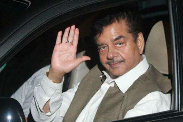 शत्रुघ्न सिन्हा थामेंगे कांग्रेस का हाथ, पटना साहिब से रविशंकर के खिलाफ लड़ सकते हैं चुनाव
