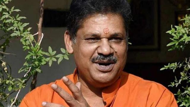 BJP से निलंबित सांसद कीर्ति आजाद जल्द थाम सकते हैं कांग्रेस का हाथ