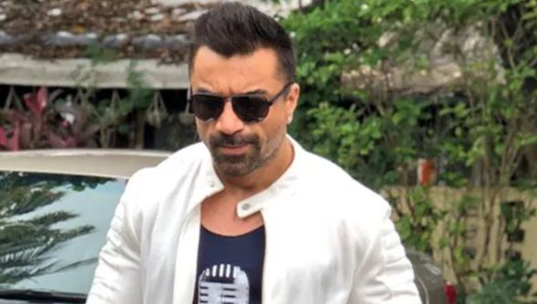 एजाज खान को मुंबई पुलिस ने किया गिरफ्तार, वीडियो से नफरत फैलाने का आरोप
