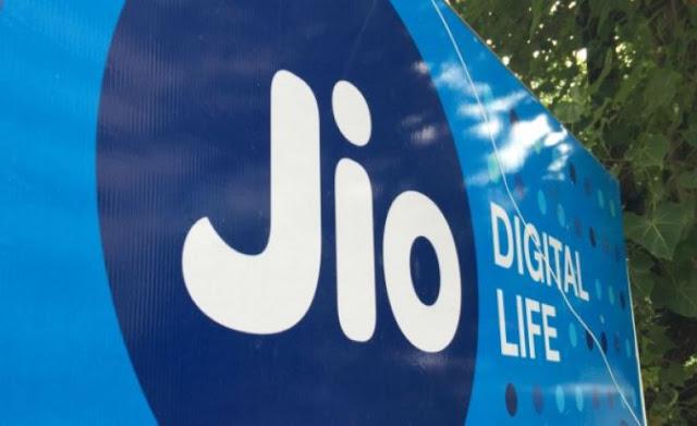 Jio का वोडा-आइडिया के 52 करोड़ ग्राहकों पर नजर