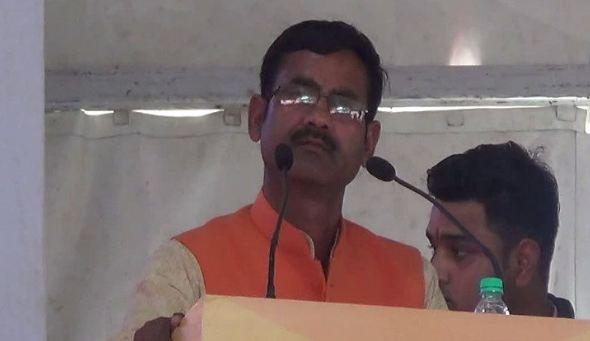BJP विधायक का शर्मनाक बयान, पूर्व प्रधानमंत्री को बताया अय्याश