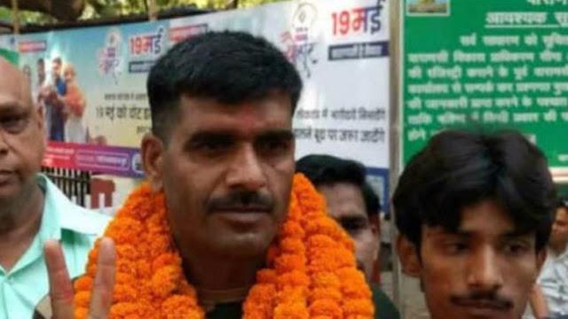 BSF के बर्खास्त जवान तेज बहादुर के खिलाफ वाराणसी में मुकदमा दर्ज