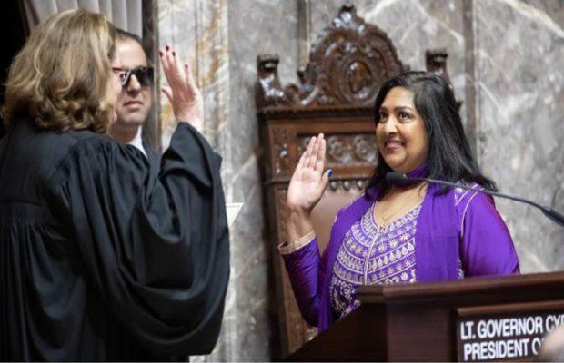 बिहार की बेटी अमेरिका में बनी सीनेटर, हाथों में गीता, होठों पर जय हिन्द