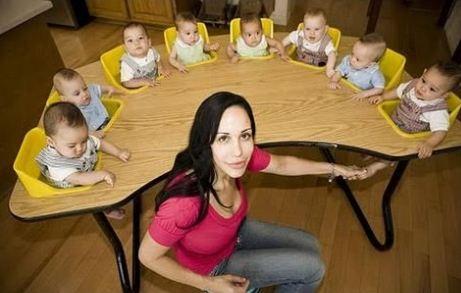 एडल्ड स्टार ने पहले 6 फिर एक साथ 8 बच्चों को दिया जन्म!