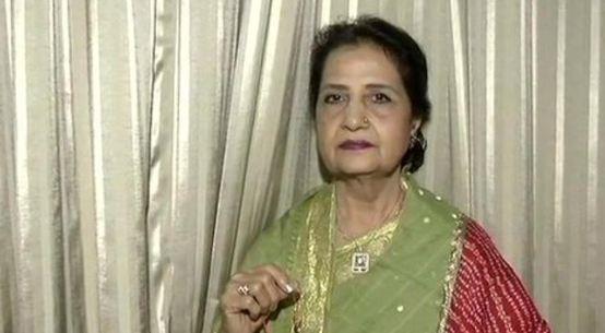 पाकिस्तान की कमर मोहसिन शेख ने PM मोदी को बांधी 'राखी'