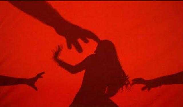 छेड़छाड़ के विरोध पर युवती के घर मे घुसकर मारपीट, युवती को पिलाया