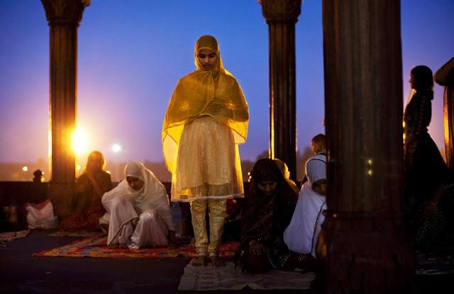 मस्जिदों में प्रवेश की मांग को लेकर हाईकोर्ट में याचिका दायर