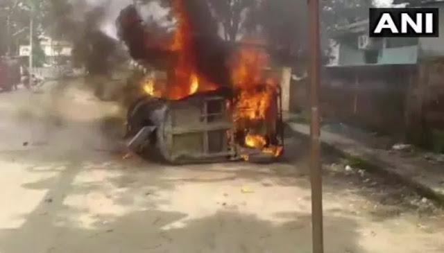 मुस्लिम शख्स ने कर्फ्यू तोड़ हिंदू महिला को पहुंचाया अस्पताल