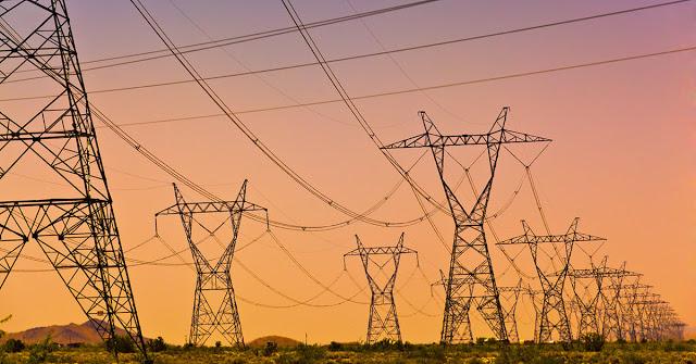 बिजली कंपनी में करोड़ों की कमाई फिर भी बार-बार छा जाता है अंधेरा