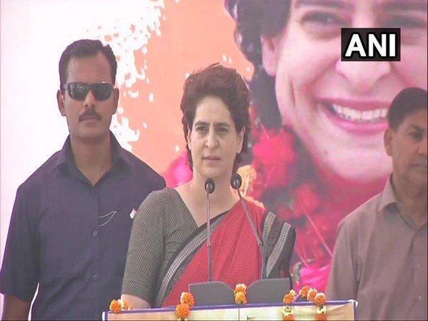 सच्चे देशभक्त हैं तो इंदिरा और राजीव का भी करें सम्मान : प्रियंका गांधी