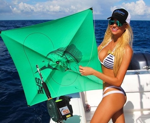 मछुआरिन कम, सुपरमॉडल ज्यादा लगती है ये मछली पकड़ने वाली लड़की