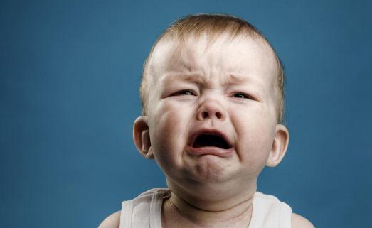 रोने लगा बच्चा तो मां ने होठों पर फेवीक्विक लगाकर बंद कर दिया मुंह