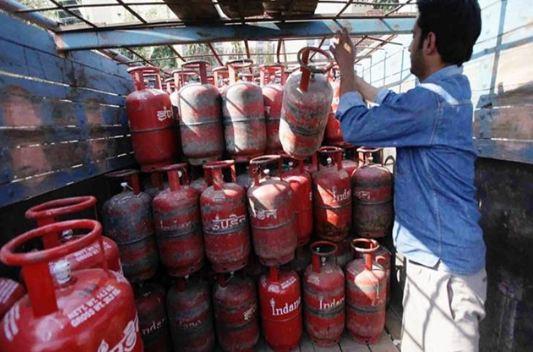 जब 100 रुपये में खरीद सकेंगे रसोई गैस
