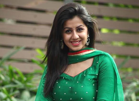 तमिल सिनेमा में डर्लिंग के नाम से जानी-पहचानी जाती है निक्की गलरानी