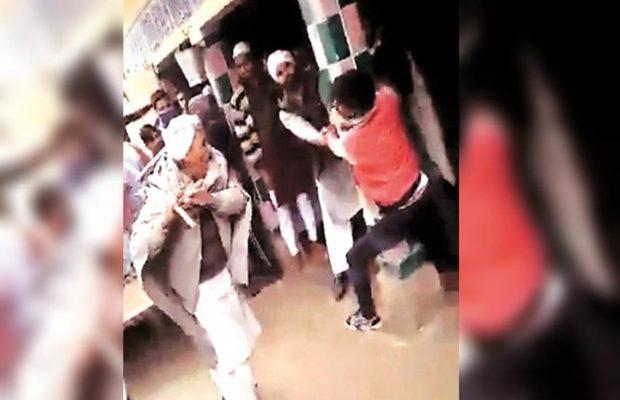 खंभे से बांध कर हुई लड़के की पिटाई, लड़की की फोटो वायरल करने का आरोप