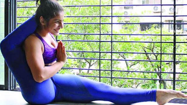 योगा की इतनी दीवानगी आपने कभी नहीं देखी होगी...