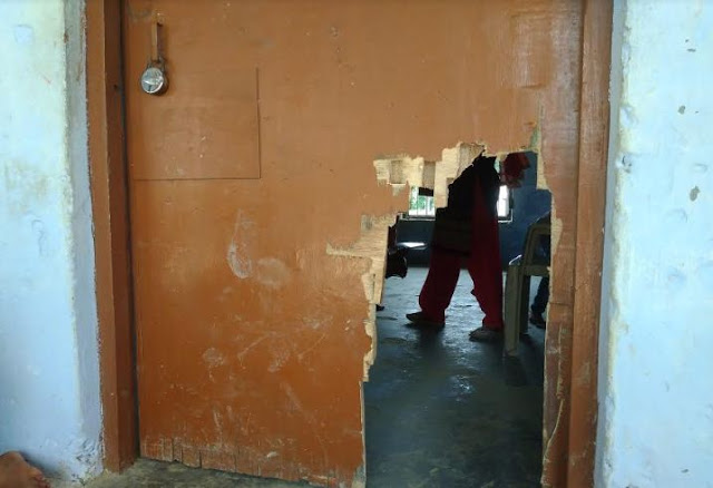 शिक्षा के मंदिर में अराजक तत्वों का तांडव, भवन में तोड़ फोड़ कर उठा ले गए अभिलेख