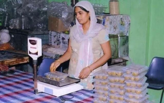 दूसरों के खेतों में काम करने वाली ये महिला इस तरह बनी फैक्ट्री की मालकिन