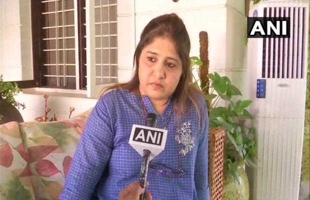 केंद्रीय मंत्री ने की थी मुस्लिम महिला से शादी पर टिप्पणी, कांग्रेस नेता की पत्नी ने दिया जवाब
