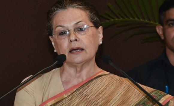 कांग्रेस-NCP सीट बंटवारे को अंतिम रूप दें: सोनिया गांधी